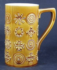 Portmeiron Totem Large Mug / Tankard Susan Williams Ellis Stoke Made in England. Loads more vintage items in the hospice's ebay shop www.shopatstfrancis.co.uk