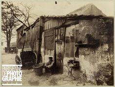 Porte d'Ivry, 18 et 20 boulevard Masséna, Paris (XIIIème arr.). 1910. Photographie d'Eugène Atget. Bibliothèque historique de la Ville de Pa...