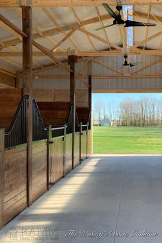 European beauty at an affordable price! RAMMs 12 Shetland horse stall series features many of the same benefits and beauty as our Tuscany designer series at an economical price. Barn Stalls, Horse Stalls, Stables, Small Horse Barns, Horse Barn Designs, Horse Shelter, Horse Barn Plans, Farm Plans, Dream Barn