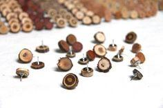 Ideas for wood slice jewelry art decor Woodworking Guide, Custom Woodworking, Woodworking Projects Plans, Teds Woodworking, Wood Slice Crafts, Wood Crafts, Twig Crafts, Nature Crafts, Resin Crafts