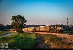 RailPictures.Net Photo: NS 9833 Norfolk Southern GE C40-9W (Dash 9-40CW) at Missouri City, Missouri by Zach Pumphery
