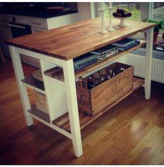 Ikea Stenstorp hyllor, smart! Istället för att ha plats för barstolar kan man sätta hyllor Ikea Ideas, Diy Ideas, Kitchen Cart, Ikea Hacks, Wood Crafts, Pantry, My House, Kitchens, New Homes