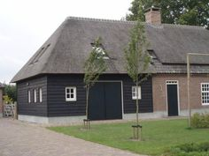 http://www.cedarland.nl/product/potdeksel-rabat-western-red-cedar-zwarte-coating/