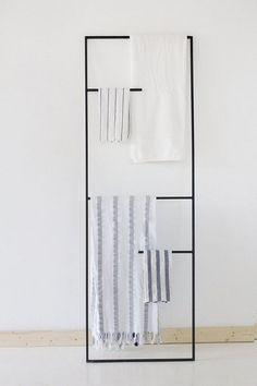 Cheap And Easy Ideas: Cozy Minimalist Home Kitchens warm minimalist decor apartment therapy.Ultra Minimalist Interior Floors minimalist home decoration grey. Bathroom Plants, Bathroom Towels, Bathroom Storage, Bathroom Interior, Modern Bathroom, Small Bathroom, Bathroom Ideas, Bathroom Ladder, Towel Rack Bathroom