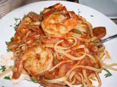 California Pizza Kitchen Copycat Recipes: Jambalaya Linguini -- easy to make this plant-based! I'm going to use my home-made meatless pepperoni sausage and chickpeas instead of shrimp. Cajun Recipes, Copycat Recipes, Fish Recipes, Seafood Recipes, Pasta Recipes, Jambalaya Pasta Recipe, Kitchen Recipes, Cooking Recipes, California Pizza Kitchen