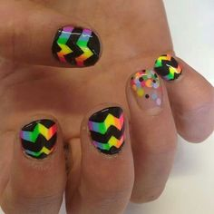 Rainbow nails love the dots