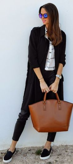 Camel Smooth Leather Tote, and i LOVE what she is wearing.