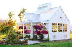 looks like a small cottage