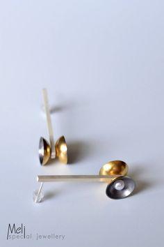 Contemporary Disc Earrings, Sterling Silver Gold And Black Dangle Earrings,Modern Pearl Earrings, Gold Diabolo Drop Earrings by MeliSpecialJewellery on Etsy Hanging Earrings, Leaf Earrings, Dangle Earrings, Poppy Pins, Poppy Brooches, Pretty Box, Hammered Silver, Minimalist Earrings, Contemporary Jewellery