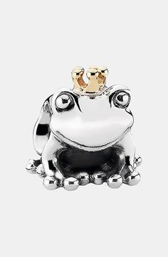 I do not like pandora bracelets but this guy is sooo cute!! Frog prince pandora charm, I should get this cause Den is my prince