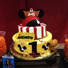 Mickey Mouse pirate cake