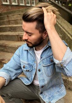 Explore the beauty of modern men's hairstyles a long with balayage hair colors to gibe them some kind of unique look nowadays. Mens Hairstyles 2018, Mens Hairstyles With Beard, Men's Hairstyles, Medium Haircuts, Men's Haircuts, Haircuts For Men, Hair Color Placement, Hair 2018, Hair Color Balayage
