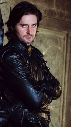 Richard Armitage como Sir Guy of Gisborne em Robin Hood Richard Armitage, Robin Hood Bbc, Robin Hoods, Mr Right, My Guy, Gorgeous Men, Beautiful People, The Hobbit, Eye Candy