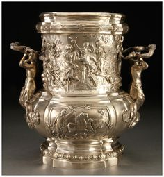 AN IMPRESSIVE NEOCLASSICAL SILVER WINE COOLER, GERMAN, 19TH CENTURY.