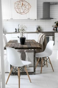 Beautiful Modern Farmhouse Dining Room Decor Ideas – Home Decor Ideas Scandinavian Kitchen, Scandinavian Design, Scandinavian Interiors, Scandinavian Lamps, Industrial Scandinavian, Nordic Kitchen, White Interiors, Scandinavian Furniture, Wood Interiors