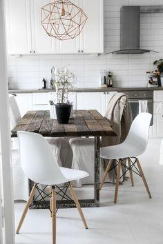 zoom sur les tables en bois massif