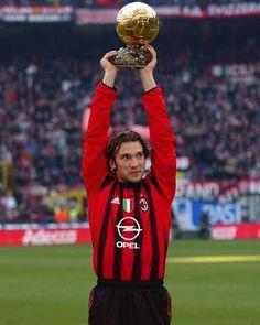 Milan Football, Football Icon, Best Football Players, Football Design, Retro Football, World Football, Vintage Football, Football Kits, Soccer Players