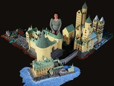 Mom builds Hogwarts School of Witchcraft and Wizardry using 400,000 LEGO bricks!