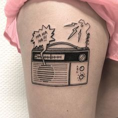 Old radio on Moa today #radio #old #tattoo #tattoed #ink #black #blackart #blackwork #btattooing #blacktattoo #blacktattooart #blackworkers #blackworkers_tattoo #blackworkerssubmission #BLACKTATTOOMAG #darkartists #blxckink #inkjunkeyz #inkstinctsubmission #tattoolife #tattooartist #tattoocircle #tattooartistmagazine #artwork #graphic #vintage #girltattoo #rumforkonst #formink #flashworkers