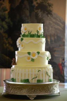 White-Picket-Fence-Daisies-Cake-Picture