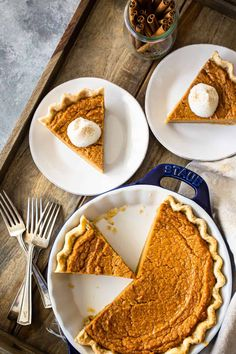 The best sweet potato pie recipe: So silky smooth and perfectly sweet, with the perfect balance of spices. Bakes up beautifully every time! #sweetpotato #pie #southern #easy #recipe #mississippi #best #healthy #soulfood #homemade #oldfashioned #fromscratch #brownsugar #glutenfree #black #filling #simple #deepdish #awardwinning #thanksgiving #grandmas #traditional #classic #howtomake #louisiana #amazing #creamy #bakingamoment Vegan Sweet Potato Pie, Freeze Sweet Potatoes, Roasted Sweet Potatoes, Homemade Pie Crusts, Pie Crust Recipes, Holiday Pies, Flaky Pastry, No Bake Pies, Dessert Recipes