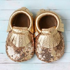 Gold Sequins Baby Moccasins by StitchesAndSoles on Etsy My Little Girl, Little Princess, Little Babies, Cute Babies, Baby Girl Shoes, My Baby Girl, Girls Shoes, Baby Kind, Baby Love