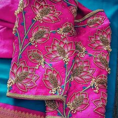 Wedding blouses Blouses are the heart of your wedding attire, so here's a board completely dedicated to wedding saree blouses for you to take inspiration! Simple Blouse Designs, Stylish Blouse Design, Fancy Blouse Designs, Wedding Saree Blouse Designs, Wedding Blouses, Maggam Work Designs, Neckline Designs, Designer Blouse Patterns, Designer Dresses