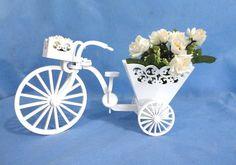 Bicicleta em MDF, recorte a laser, toda articulada, pintura laqueada ou pátina provençal. Para decoração do quartinho do bebê ou de outro cômodo da casa.  PRODUTO ARTESANAL SUJEITO À VARIAÇÕES R$ 80,00