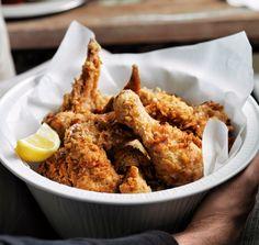 Unser beliebtes Rezept für Buffalo Chicken Combo und mehr als 55.000 weitere kostenlose Rezepte auf LECKER.de.