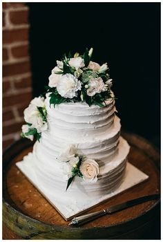 Sirromet Wines Wedding - Cake | Green Cream and Champaign Roses | Image Credit to Figtree Wedding Photography | #WeddingCake #Roses #GMDifference Champaign Rose, Peter Wood, Rose Images, Green Cream, Wines, Wedding Cakes, Cake Wedding, Wedding Pies