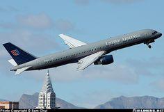United Airlines Boeing 757-222 N546UA departing Las Vegas-McCarran International, February 2004. (Photo: Sam Chui)