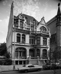Scott Wanamaker House built in 1883 located at: 2032 Walnut Street Philadelphia Pennsylvania Victorian Style Homes, Victorian Photos, Victorian Houses, Victorian Architecture, Historical Architecture, Beautiful Buildings, Beautiful Homes, American Mansions, Historic Philadelphia