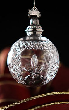 Waterford 2013 Fleur De Lys Ball Ornament Z