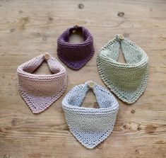 Free baby knitting pattern set including a lace cardigan and booties. Baby Hats Knitting, Knitting For Kids, Baby Knitting Patterns, Loom Knitting, Baby Patterns, Knitting Projects, Cowboy Baby, Crochet Baby Bibs, Crochet Patterns