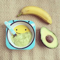 Avokado- og bananmos. - SunnStart Japanese, Ethnic Recipes, Food, Baby, Japanese Language, Newborns, Meals, Infant, Baby Baby