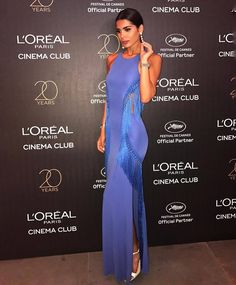 "8,596 ""Μου αρέσει!"", 29 σχόλια - Elisabetta Franchi (@elisabettafranchi) στο Instagram: ""Farah Abdel Aziz wore cobalt dress from the Spring Summer 2017 collection. Shop the gown in…"""