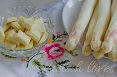Spargelsuppe mit weißer Schockolade