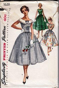 Vintage 1950s Full Skirted Dress Rounded Neckline Simplicity 1620  | PenelopeRose - Supplies on ArtFire $10.50 #vintage #1950 #pattern