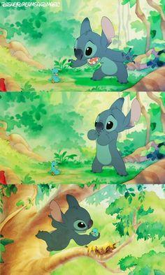Momento Tierno De Stitch