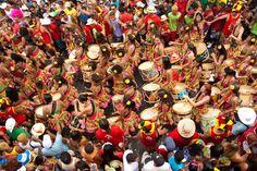 Essas lindas mulheres são as CONXITAS, grupo de maracatu formado exclusivamente por mulheres, em Olinda.   Foto de João Miguel Pinheiro