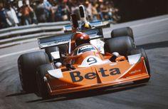 Hinterräder wie beim Traktor-Pulling - auch das gab es schon in der Formel 1....