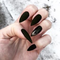 15 Razor-Sharp Stiletto Nails Art Designs That Will Inspire Your Next Manicure Beautiful Nails, Nail Art Designs, Trends. Blue Glitter Nails, Black Nails, Pink Nails, Matte Nails, Gradient Nails, Matte Black, Nail Art Designs, Acrylic Nail Designs, Acrylic Nails