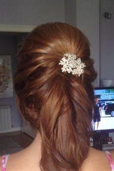 Sonia para la boda de su hermana llevando nuestro clip de pelo Frances