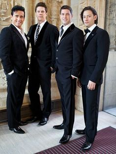 IL DIVO looking dapper.