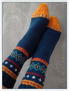 Ravelry: millefleurs' color...please! Fair Isle Knitting, Knitting Socks, Hand Knitting, Knitted Hats, Knitting Patterns, Knitting Accessories, Knit Or Crochet, Mitten Gloves, Knitting Projects