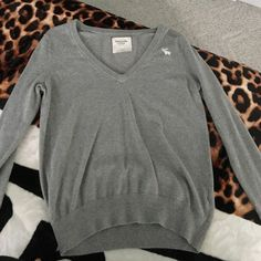 Grey Abercrombie & Fitch long sleeve Size small long sleeve Abercrombie & Fitch Tops Tees - Long Sleeve
