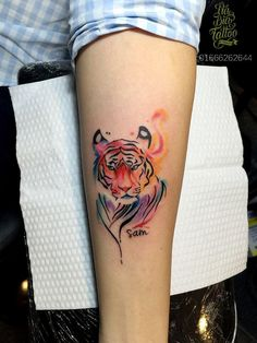 Best Watercolor Tiger Tattoo Designs and Ideas Tiger Tattoo Small, Mens Tiger Tattoo, White Tiger Tattoo, Tiger Tattoo Design, Mini Tattoos, Trendy Tattoos, Cute Tattoos, Body Art Tattoos, Tattoos For Guys