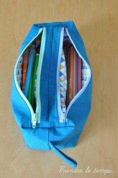 Trousse Zip-Zip cousue par Niya - Tissu(s) utilisé(s) : coton - Patron Sacôtin : Trousse Zip-Zip (Trousse double zip compartimentée) Sewing Hacks, Sewing Tutorials, Sewing Tips, Zip Zip, Bunny Bags, Backpack Pattern, Craft Bags, Couture Sewing, Love Sewing