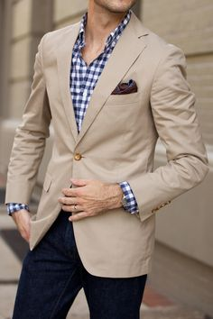 Spring / Summer - casual style - business casual - Kaki sports blazer + brown pocket square + brown belt + dark jeans or navy pants + blue gingham shirt