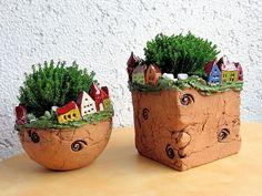 Pflanzgefäß Pottery Houses, Pottery Pots, Ceramic Pottery, Ceramic Art, Clay Houses, Ceramic Houses, Ceramic Planters, Clay Art Projects, Clay Crafts